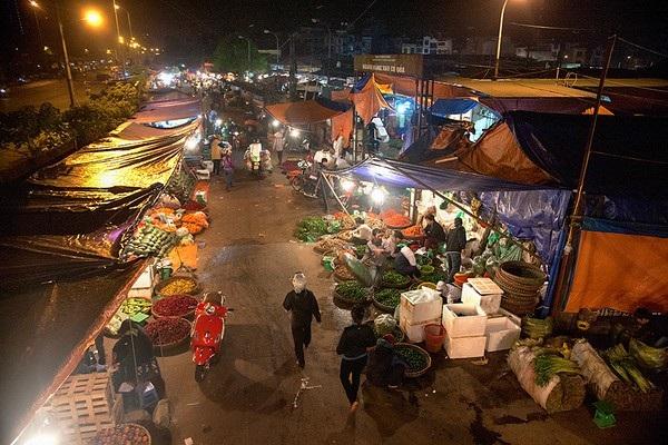 Chợ Long Biên: Không thể để một chợ nhếch nhác giữa thủ đô hiện đại