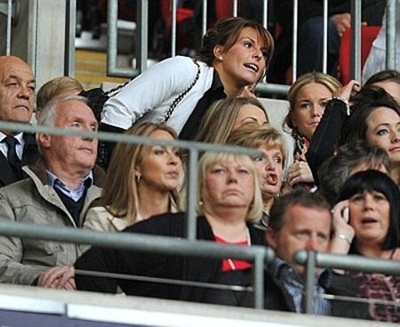 Vợ Rooney đến sân cổ vũ chồng trong ngày MU thất bại - 1