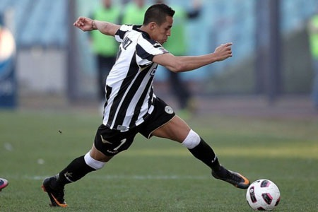 Alexis Sanchez sẽ tới Barcelona? - 1