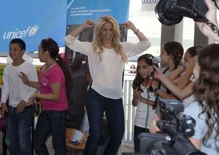 Pique và Shakira sánh đôi tại Israel - 3