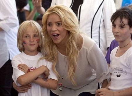 Pique và Shakira sánh đôi tại Israel - 4