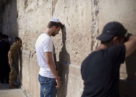 Pique và Shakira sánh đôi tại Israel - 5