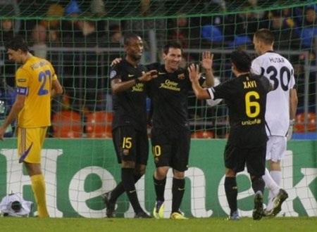 """Messi lập cú đúp trong thắng lợi """"5 sao"""" của Barcelona - 3"""