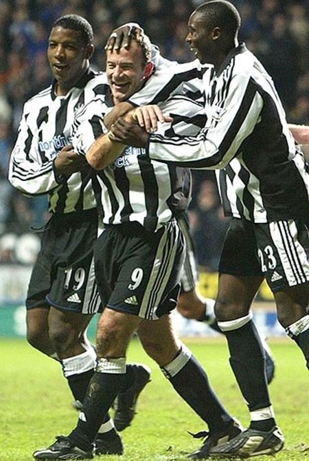 Những cột mốc trong lịch sử hơn 20.000 bàn thắng ở Premier League - 12