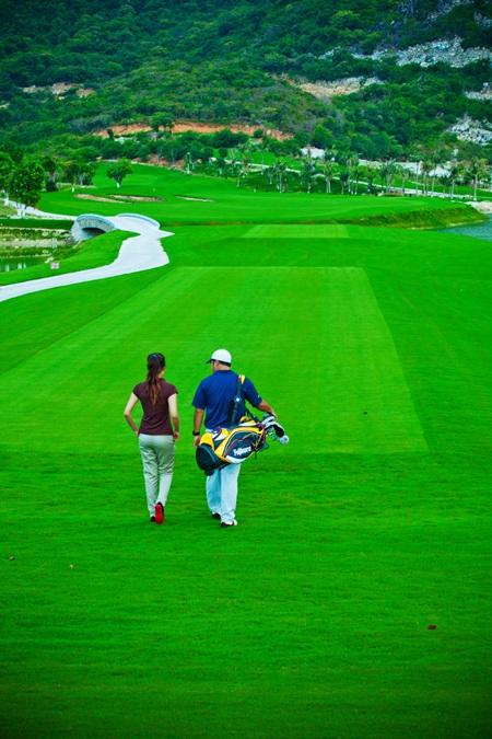 Cơ hội sở hữu xe Mercedes tại sân Vinpearl Golf Club