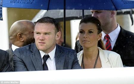 """Wayne Rooney """"vỡ mộng"""" vô địch trường đua ngựa"""