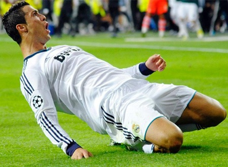 C. Ronaldo không hối hận vì đánh tiếng đòi ra đi