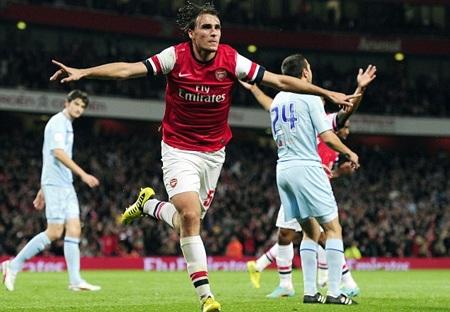 Arsenal đã có chiến thắng tưng bừng trên sân nhà Emirates