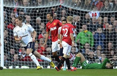 Vertonghen đưa Tottenham vượt lên dẫn trước từ khá sớm