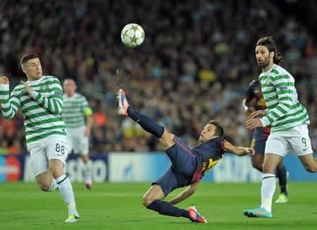 Jordi Alba thi đấu khá năng nổ bên cánh trái