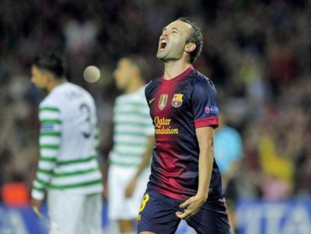 Iniesta gỡ hòa 1-1 cho Barcelona ở phút cuối cùng hiệp 1