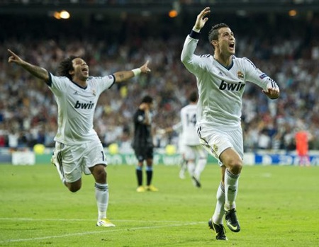 C. Ronaldo đang là chân sút hàng đầu Champions League với 4 bàn
