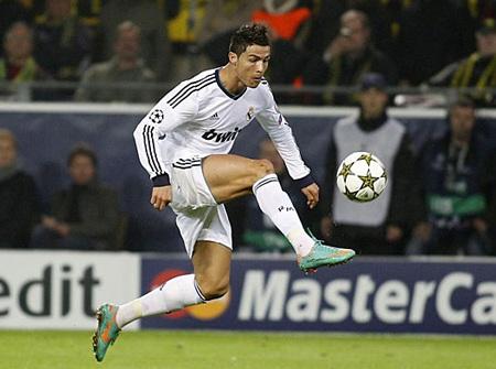 C. Ronaldo ghi bàn những không thể giúp Real Madrid tránh khỏi thất bại