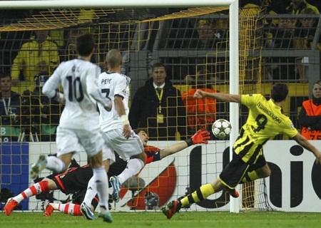 Bàn mở tỷ số của Lewandowski thực sự khiến Real Madrid choáng váng