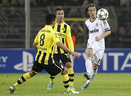 Luka Modric mờ nhạt sau khi vào sân thay Khedira
