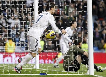 Ronaldo đang sống cuộc sống không bình yên tại Madrid