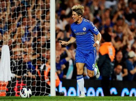 Fernando Torres từng ghi bàn vào lưới Reading ở lượt đi