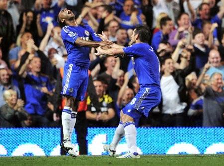 Niềm vui chiến thắng sẽ đến với Chelsea tại Madejski?