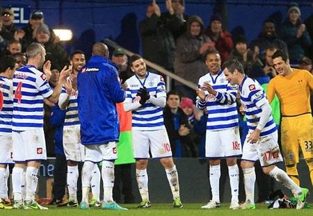 QPR xuất sắc thủ hòa Man City trên sân nhà
