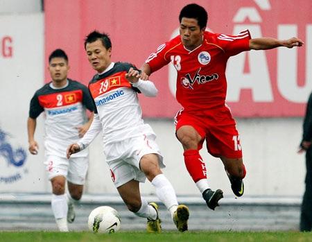 ĐT Việt Nam (trắng) đang thi đấu ấn tượng - Ảnh: Gia Hưng