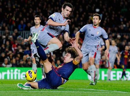 Osasuna bất lực trước sức mạnh của Barcelona
