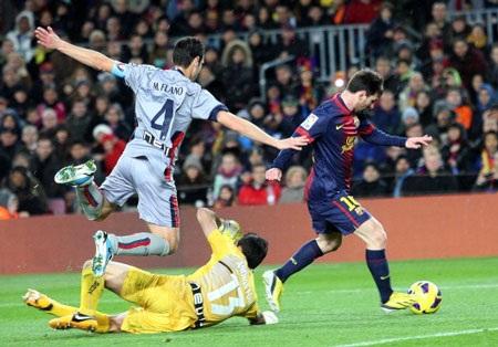 Lionel Messi tỏa sáng với 4 bàn thắng vào lưới Osasuna