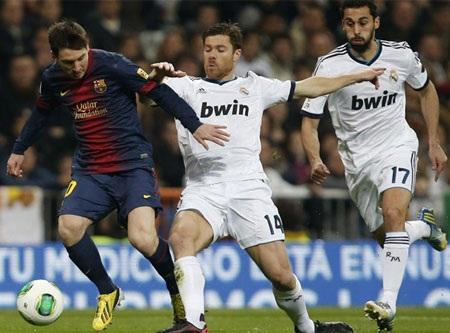 Messi cũng bị các hậu vệ Real Madrid theo khá sát