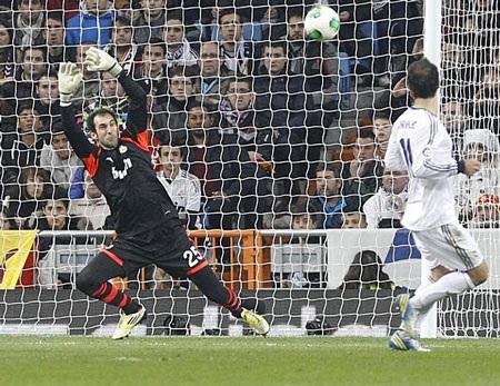 Barca gia tăng áp lực ở những phút cuối