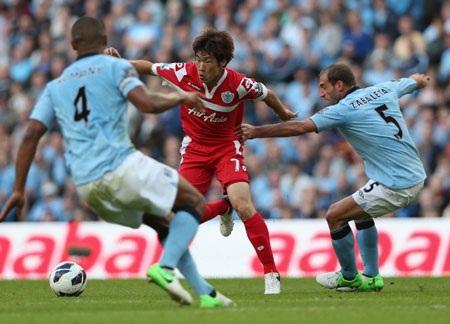 Man City cần 3 điểm để gây sức ép lên đội đầu bảng MU