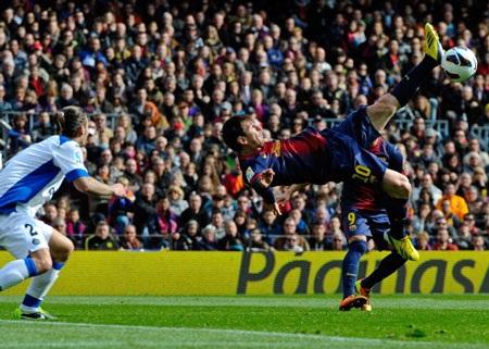 Messi tiếp tục chói sáng trong chiến thắng đậm đà của Barcelona