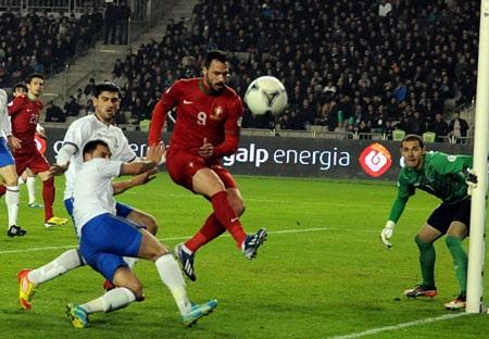 Hugo Almeida ấn định thắng lợi 2-0 cho Bồ Đào Nha