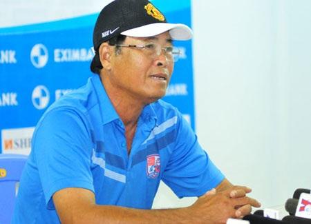 HLV Trần Bình Sự bên phía CLB Đồng Nai