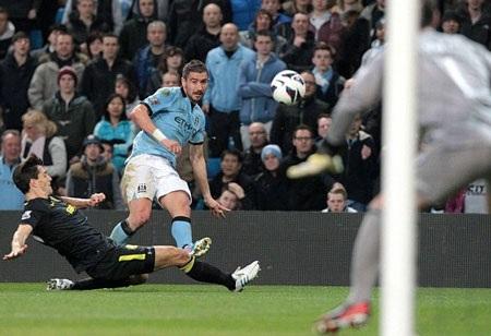 Man City đã gặp nhiều khó khăn ở đầu trận đấu