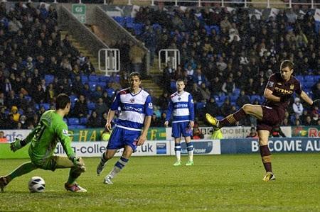 Dzeko ghi bàn thắng ấn định chiến thắng 2-0 cho Man City