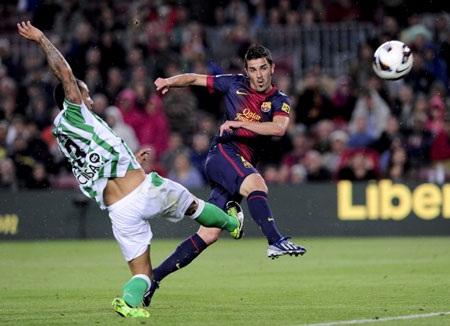 David Villa tỏa sáng với pha lập công gỡ hòa 2-2