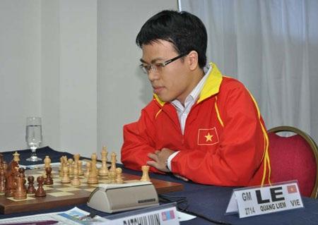 Quang Liêm bám sát nhóm đầu trước 3 vòng cuối