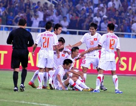 Bộ khung ĐTVN hồi AFF Cup 2008 sẽ được tái hiện ở trận gặp Arsenal