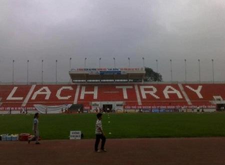 Bão lớn khiến trận V. Hải Phòng-SL Nghệ An phải hoãn lại
