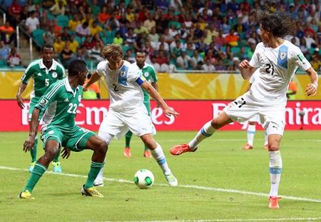 Nigeria đang gặp nhiều bất lợi sau trận thua Uruguay