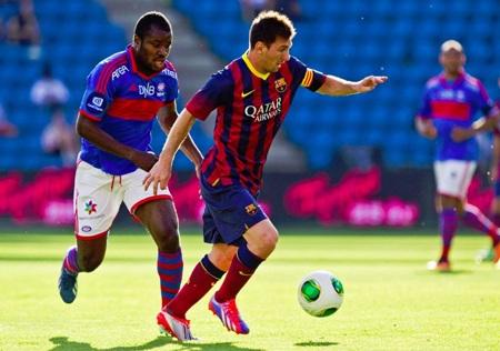 Messi vẫn chói sáng trong chiến thắng của Barcelona