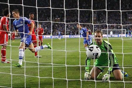 Torres mở tỷ số trận đấu từ khá sớm cho Chelsea