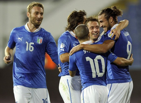 Italia đang ở rất gần chiếc vé giành quyền dự World Cup 2014