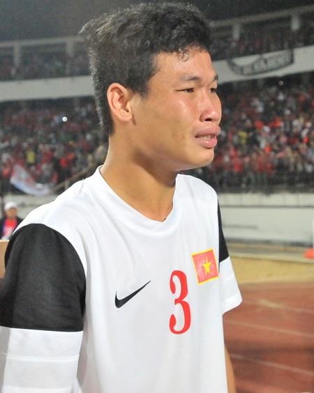 Nước mắt của cầu thủ trẻ Đông Triều - Ảnh: Gia Hưng