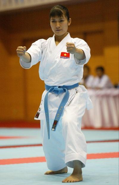 Nữ VĐV Karate Hoàng Ngân
