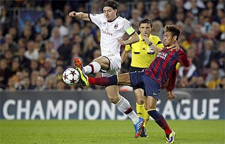 Milan hoàn toàn bất lực trước một Barca quá mạnh ở Nou Camp