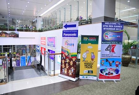 Nhiều băng rôn quảng cáo phục vụ cho SEA Games đã xuất hiện tại Yangon