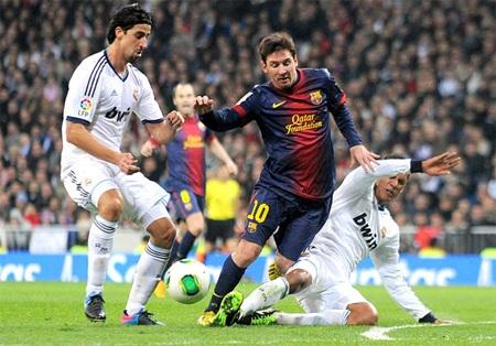 Messi không có tên trong đội hình tiêu biểu năm 2013 của UEFA