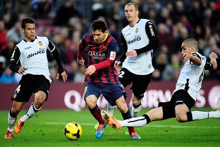 Một mình Messi không thể cáng đáng hết cả Barcelona