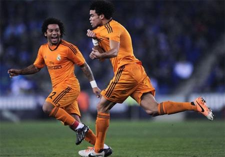 Pepe tỏa sáng với bàn thắng duy nhất mang về 3 điểm cho Real Madrid