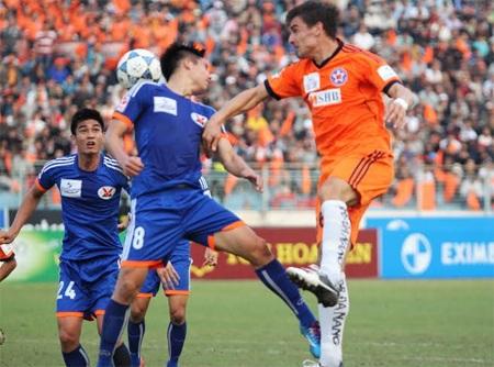 Than Quảng Ninh (xanh) vẫn giành được 1 điểm ở Chi Lăng